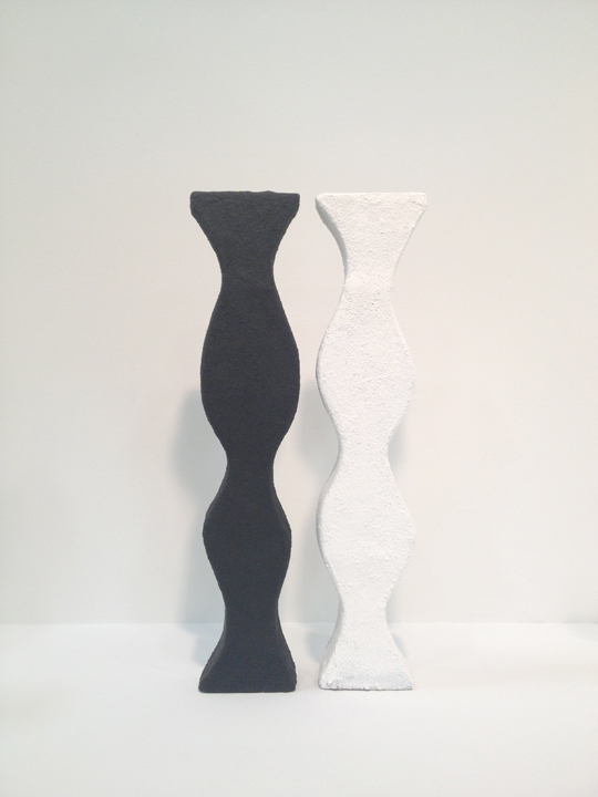 web Double Vase Black and White SIngles